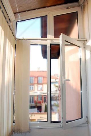 aluminijumski-prozor-sa-kosim-elementima